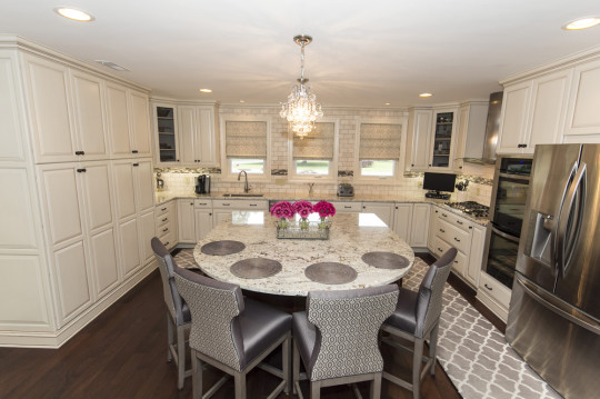 Elegant Classic Kitchen