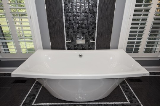 Luxury Modern Master Bathrooms b. chic interiors » luxury modern master bathroom