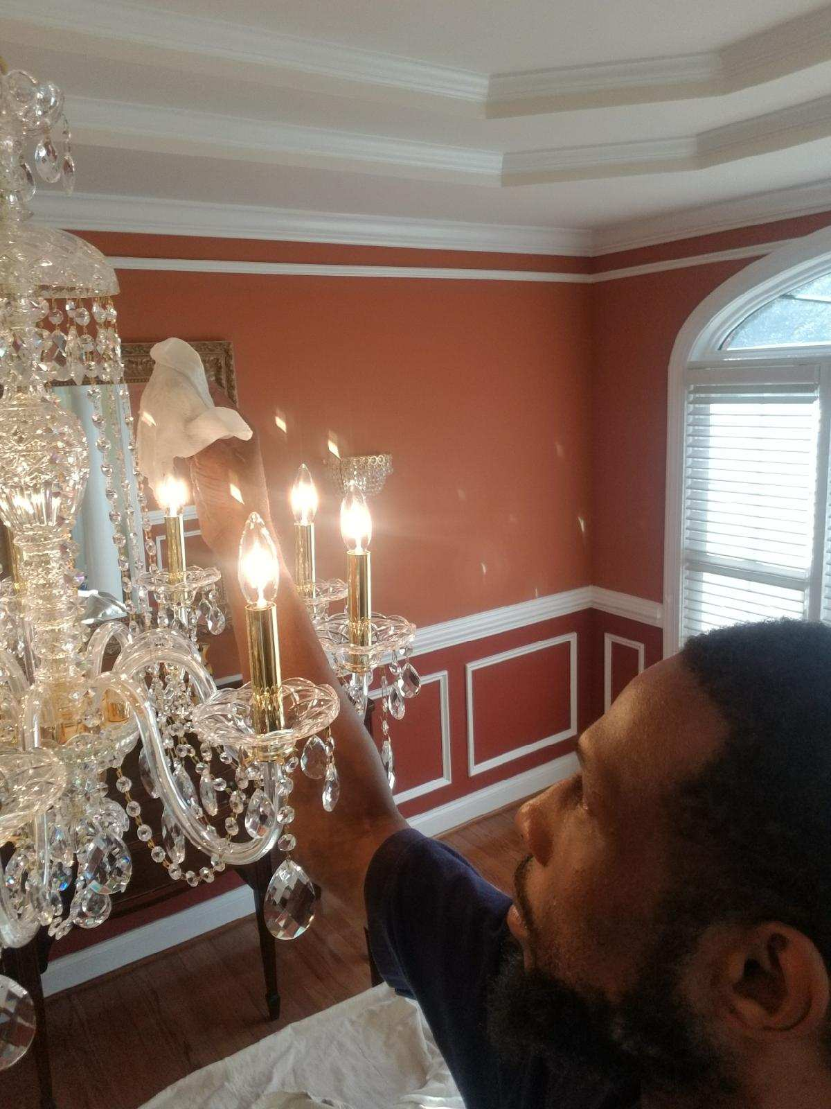 B chic interiors resource spotlight chandelier cleaning 2017 09 26 083944g mozeypictures Choice Image